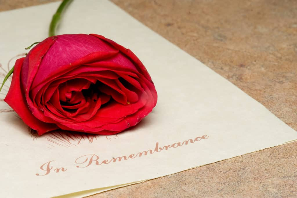11 Tips on How to Host a Cremation Ceremony for Your Loved One