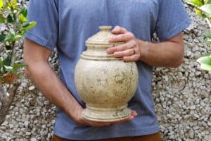 Cremation Ashes: 10 Best Ideas for What to Do With Cremation Ashes